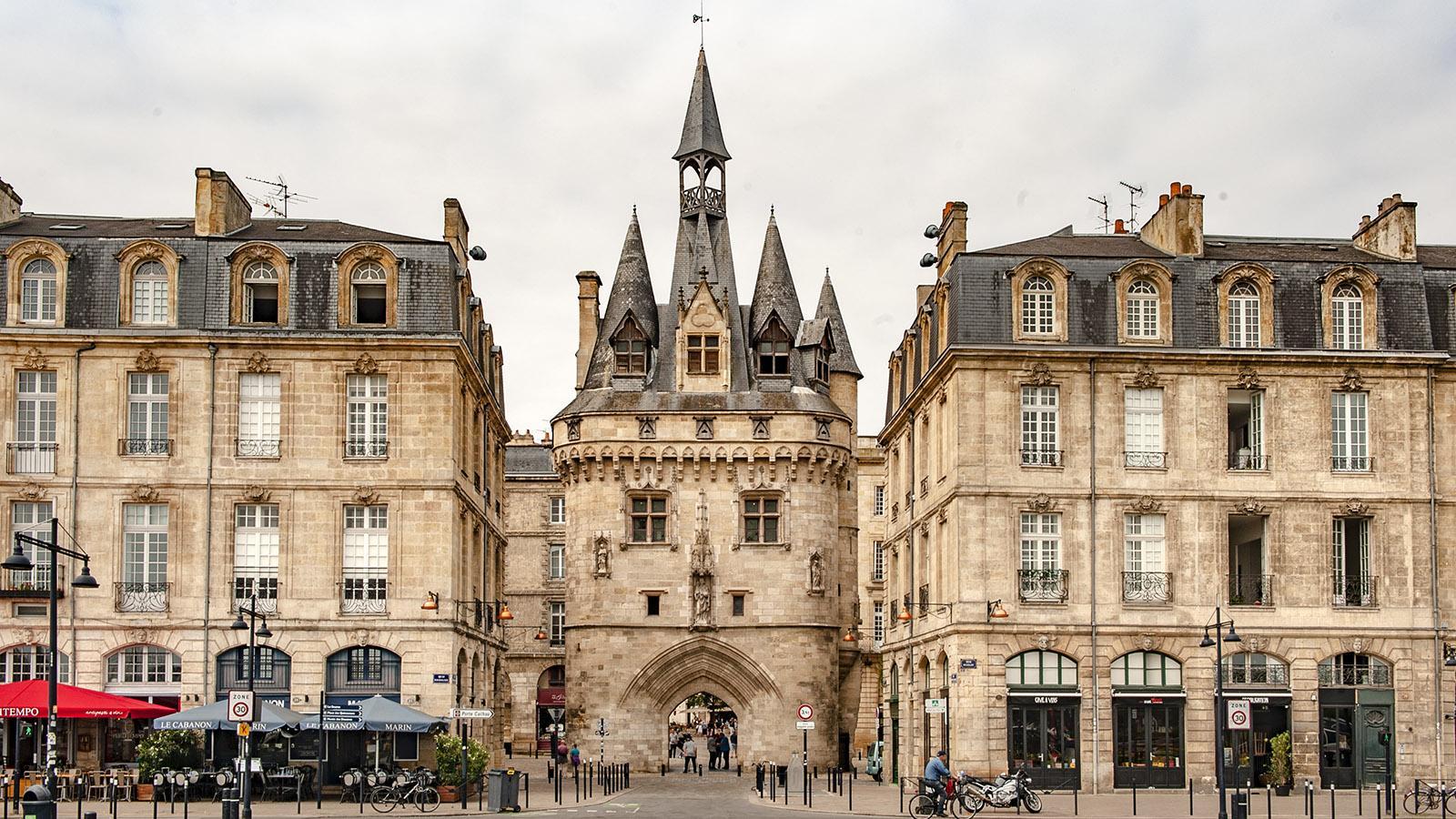Bordeaux: Die Porte de Bourgogne am Börsenplatz. Foto: Hilke Maunder