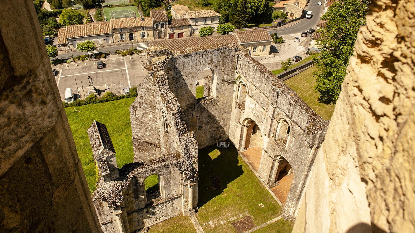 Entre-deux-Mers: Der Glockenturm der Abbaye de la Sauve-Majeure eröffnet weite Ausblicke. Foto: Hilke Maunder