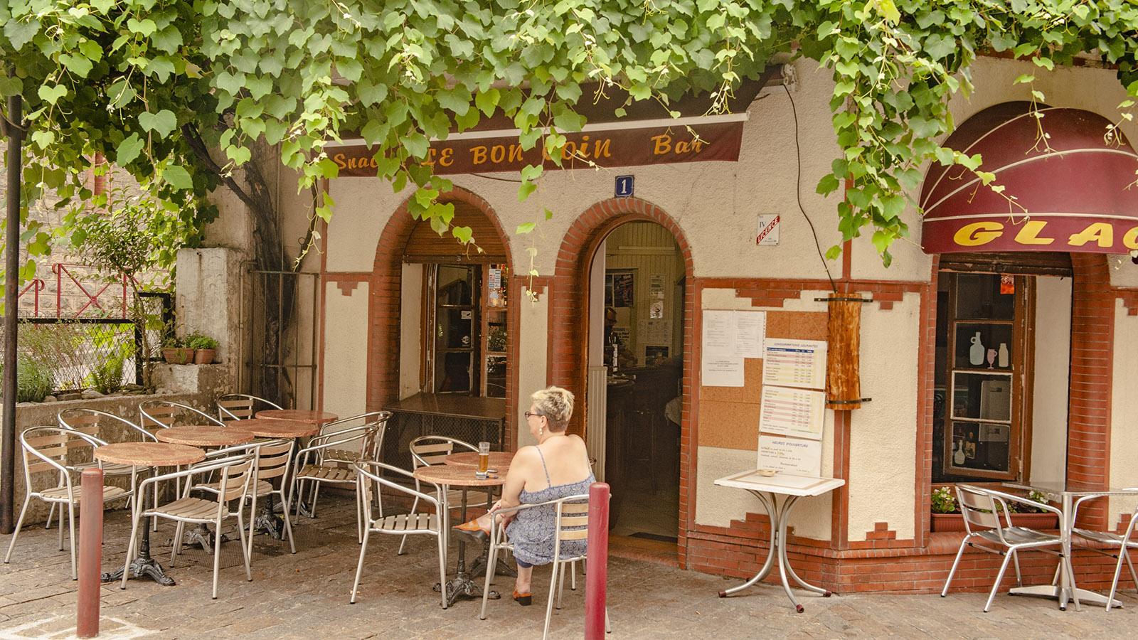 Café-Terrasse in Arles-sur-Tech. Foto: Hilke Maunder