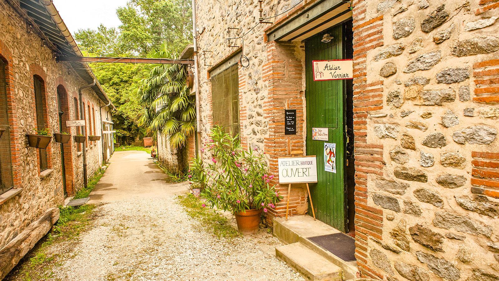Arles-sur-Tech: Der Weg zur den Wegstätten in der alten Fabrik. Foto: Hilke Maunder