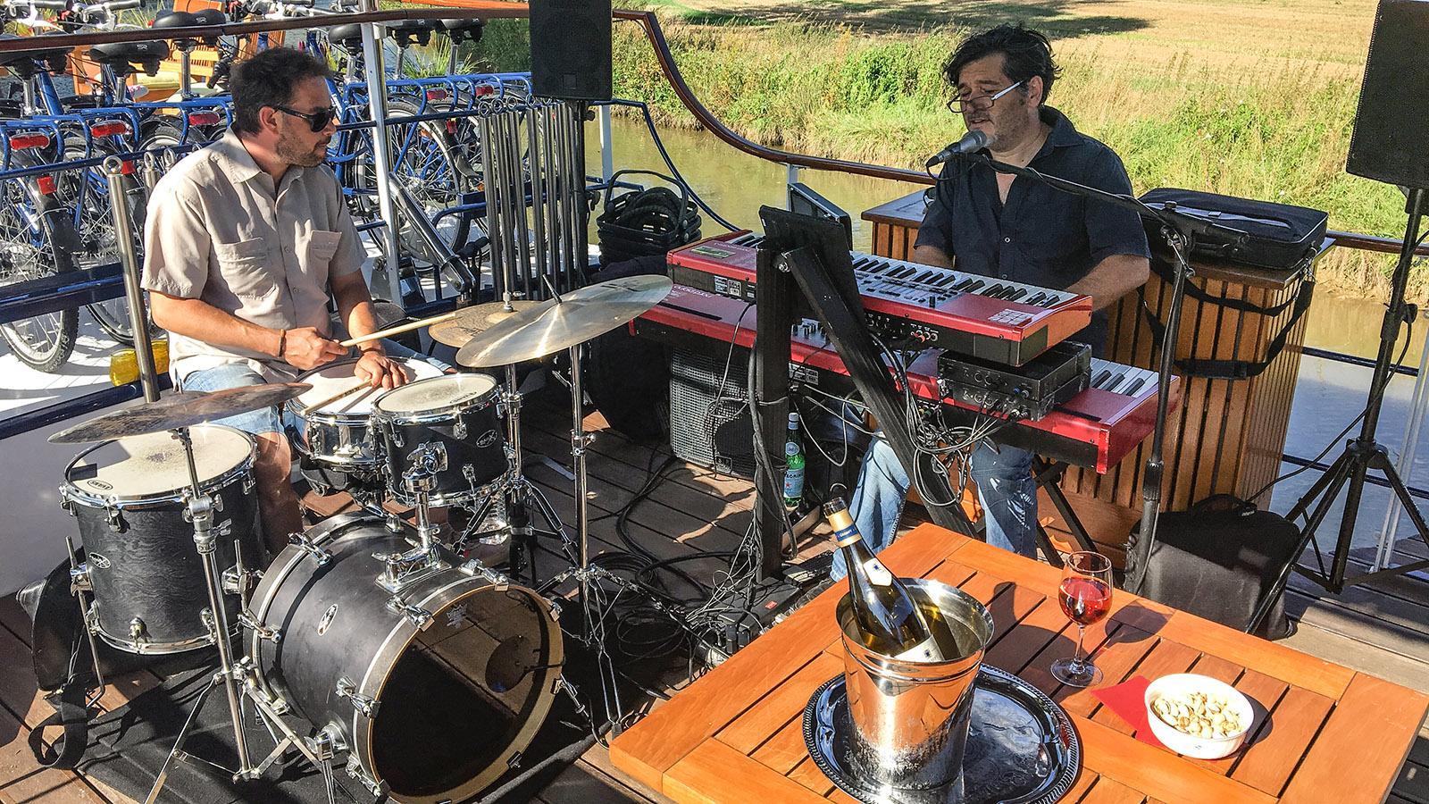 Livemusik zum Apero. Foto: Hilke Maunder
