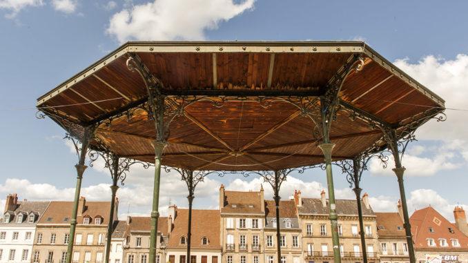 Autun: Musikpavillon auf dem Place du Champs de Mars. Foto: Hilke Maunder