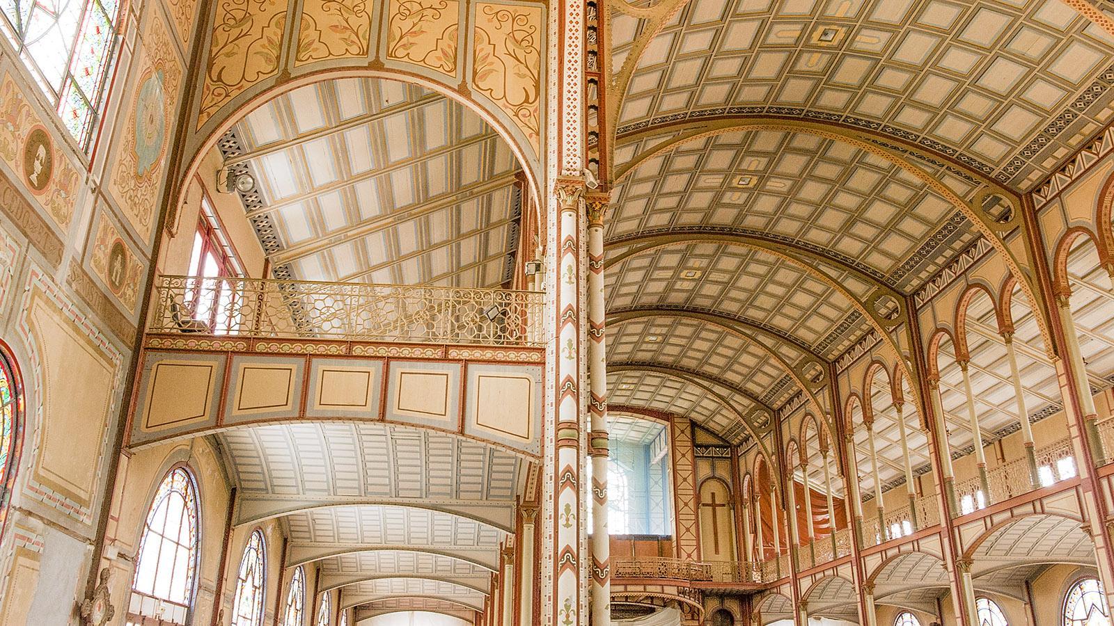 Das riesige Kirchenschiff der Kathedrale von Fort-de-France. Foto: Hilke Maunder