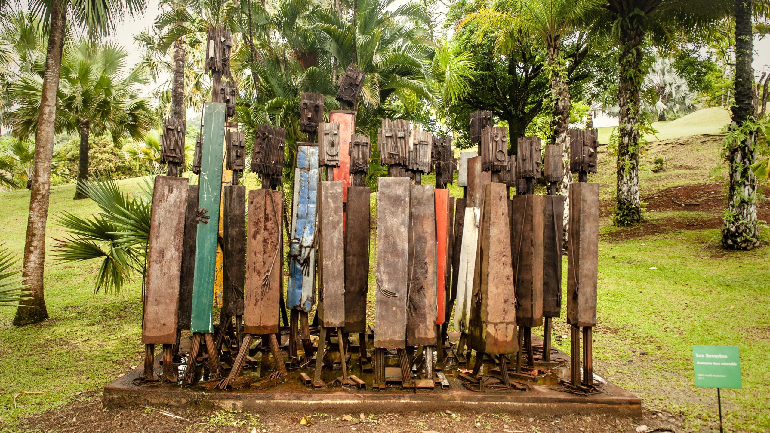 Auch diese Skulptur erinnert im Kunst-Park der Habitation Clèment an das Schicksal der Sklaven. Foto: Hilke Maunder