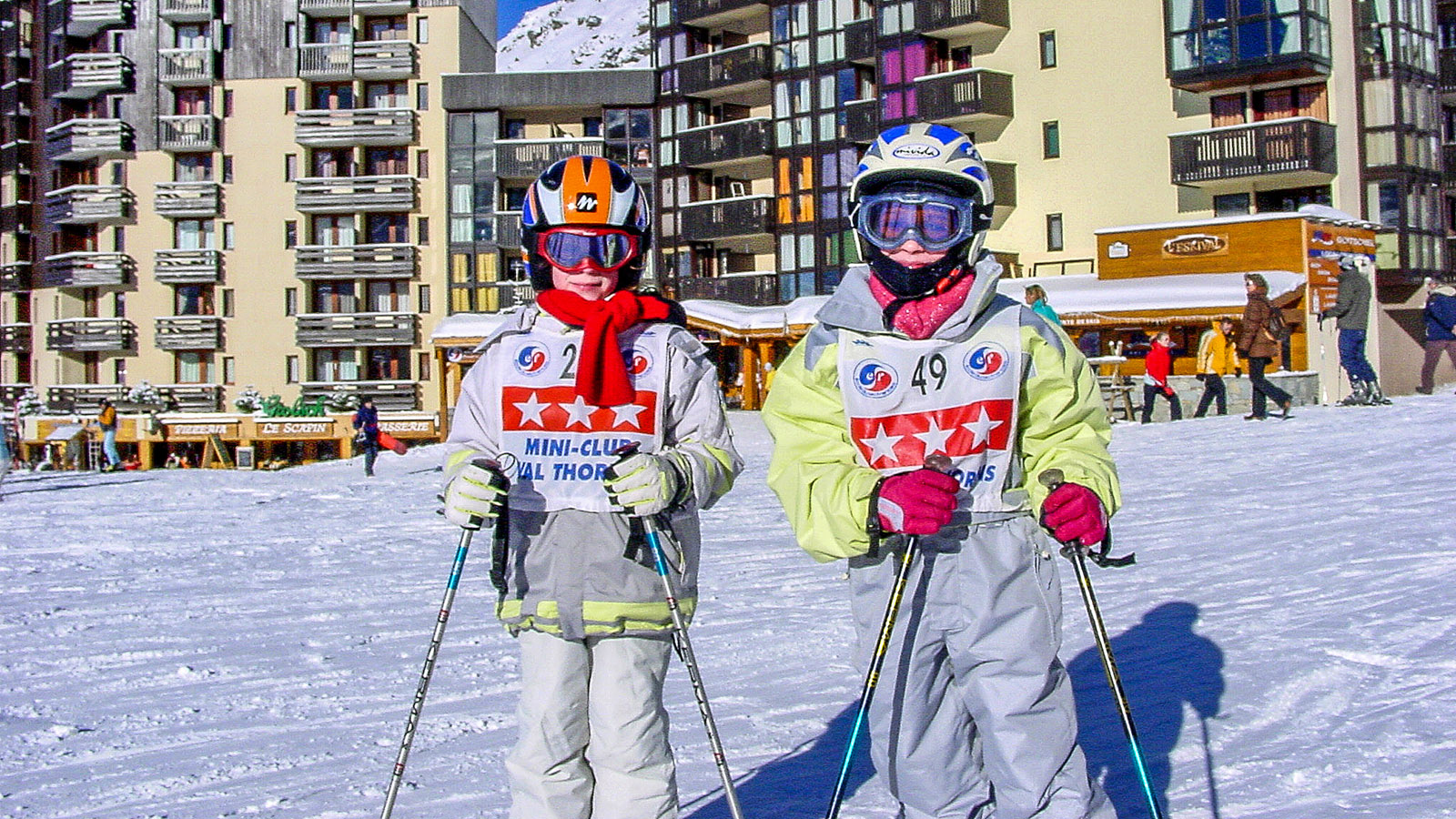 Val Thorens: Skischüler der ESF auf der Place du Coron. Foto: Hilke Maunder