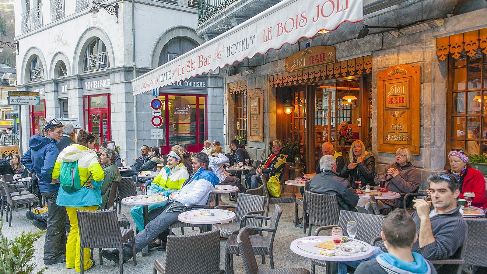 Cauterets: Beliebt: die Skibar Le Joil Bois. Foto: Hilke Maunder