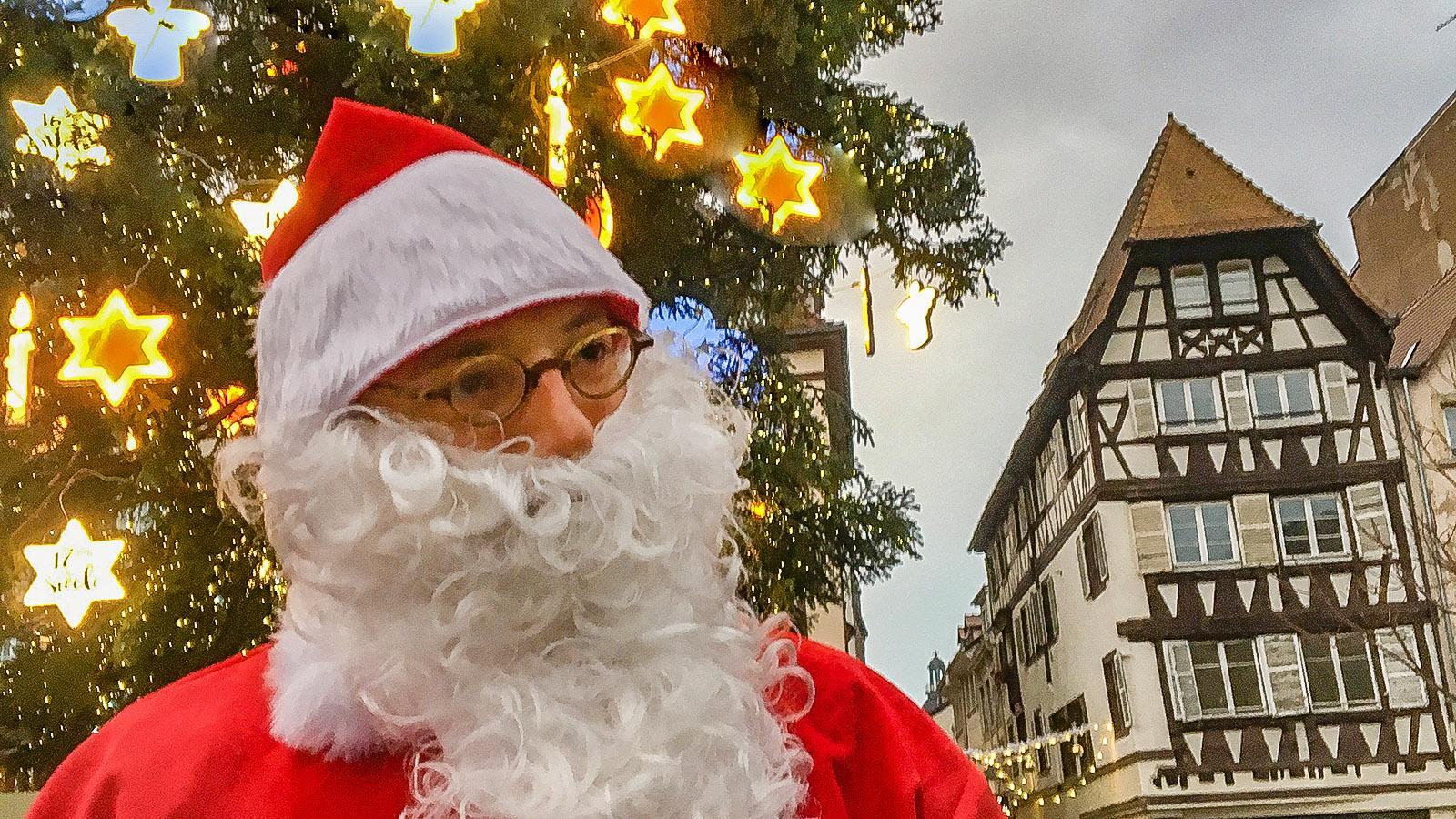Weihnachtsmärkte: Père Noël ist auf den Weihnachtsmärkten unterwegs! Foto: Hilke Maunder