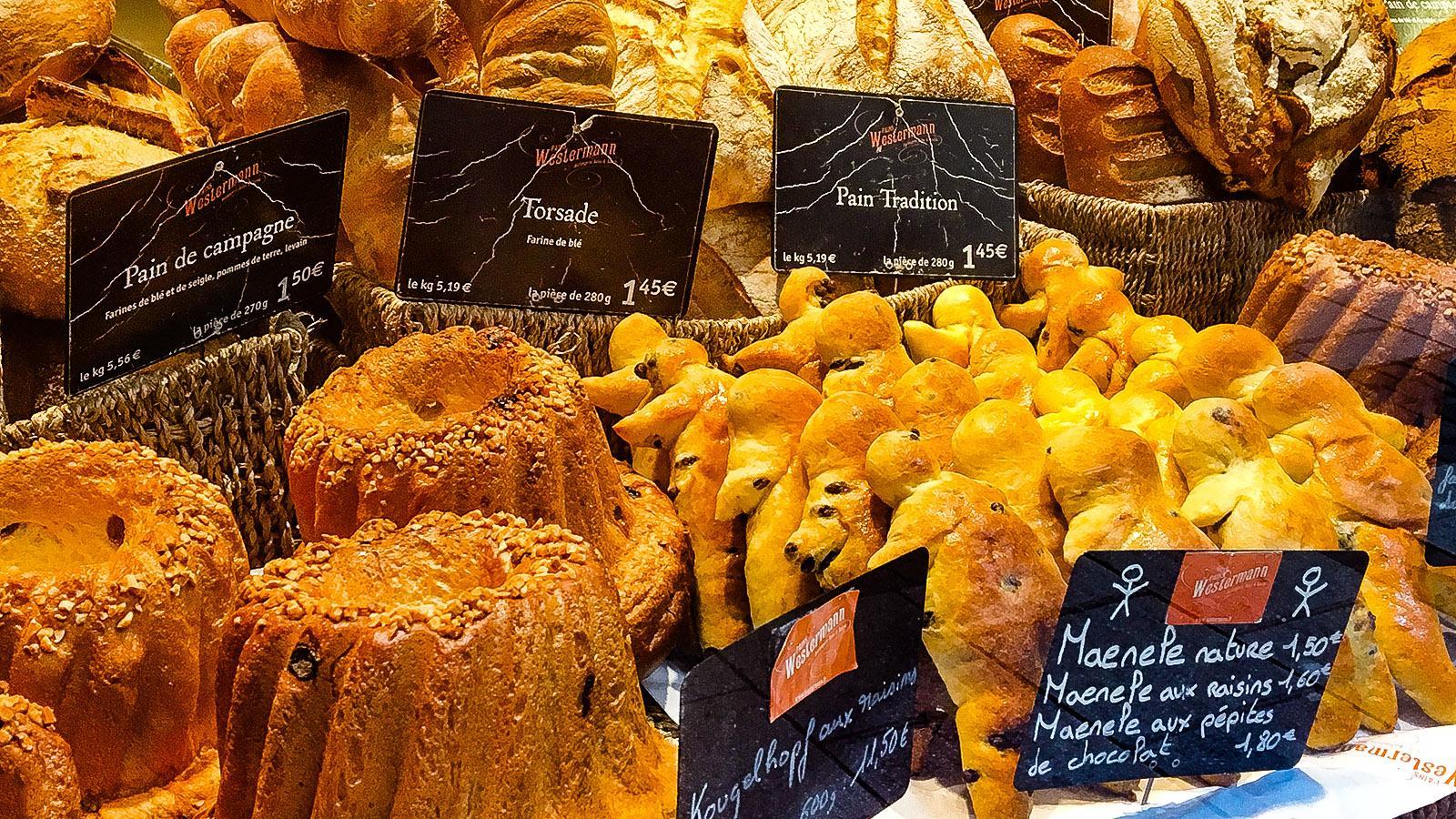 Weihnachtsmärkte: Auch Weckmännchen gehören zum Advent im Elsass. Foto: Hilke Maunder