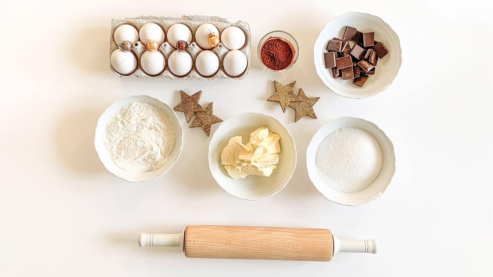 Die Zutaten für die bûche de Noël. Foto: Hilke Maunder