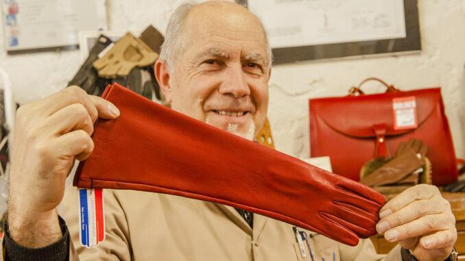 Jean Strazzeri, der letzte Handschuhmacher von Grenoble. Foto: Hilke Maunder
