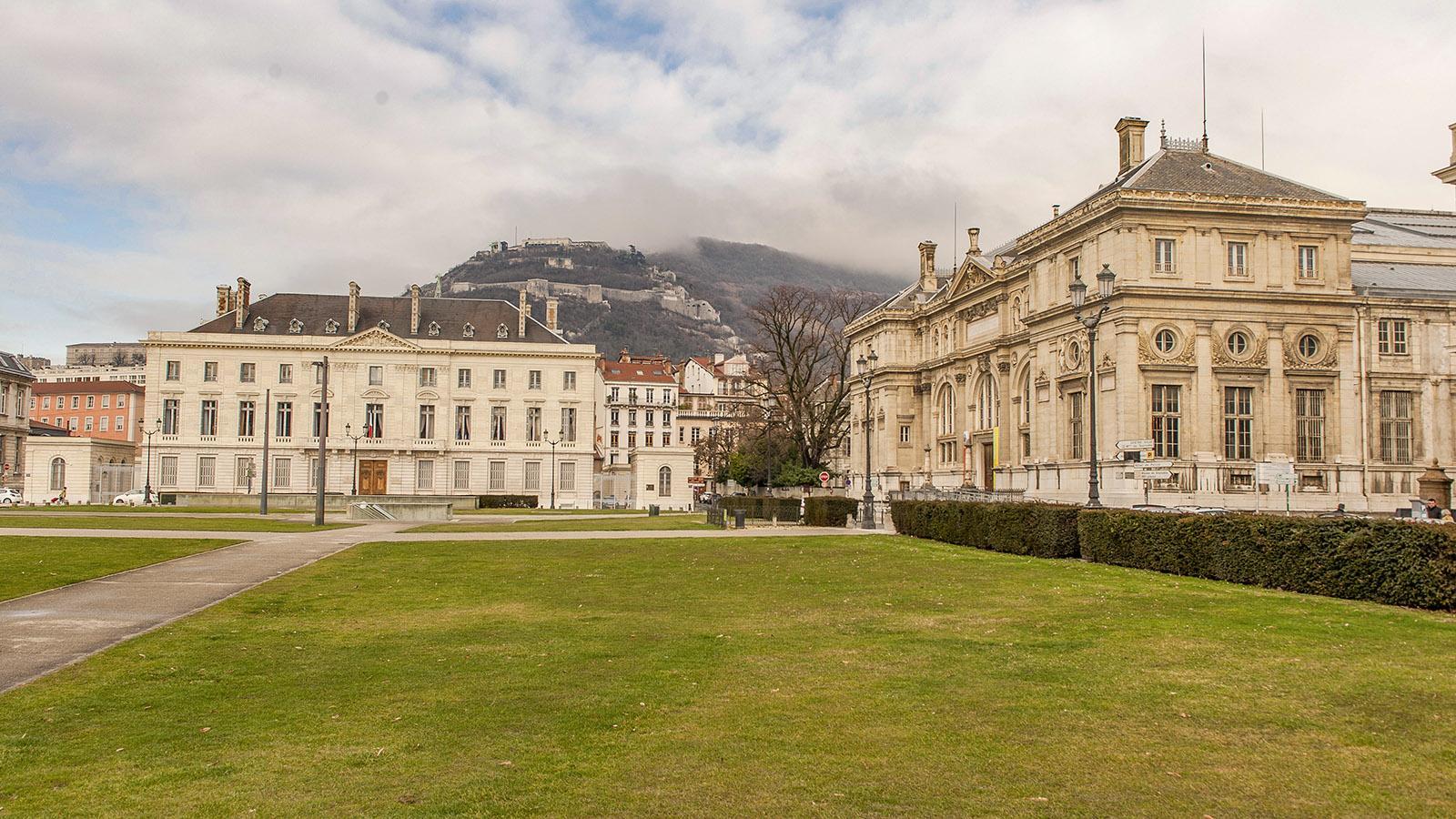 Die Place de Verdun von Grenoble. Foto: Hilke Maunder