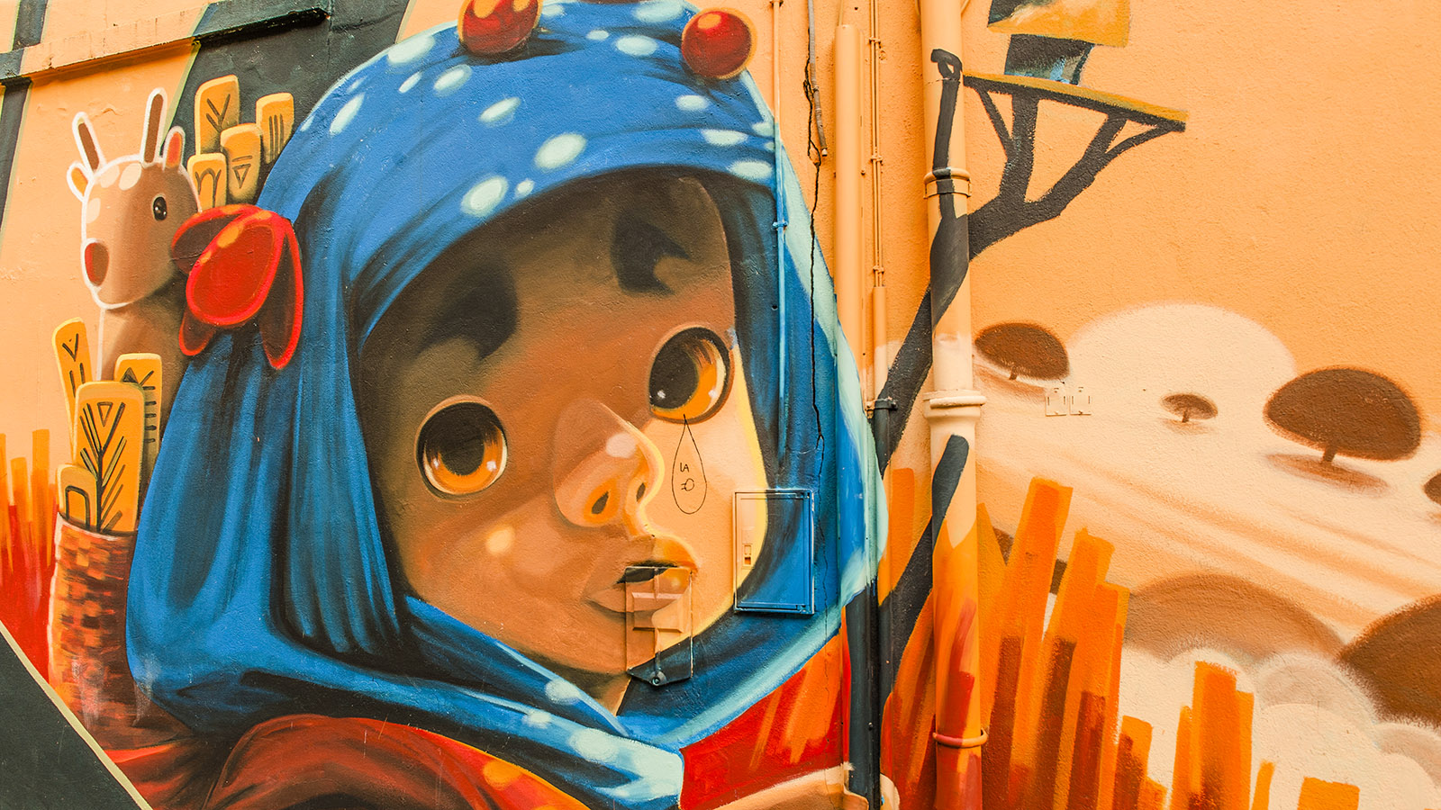 Das staundende Mädchen von AnimaltoLand (Argentinien) in der Rue Génissieu. Foto: Hilke Maunder