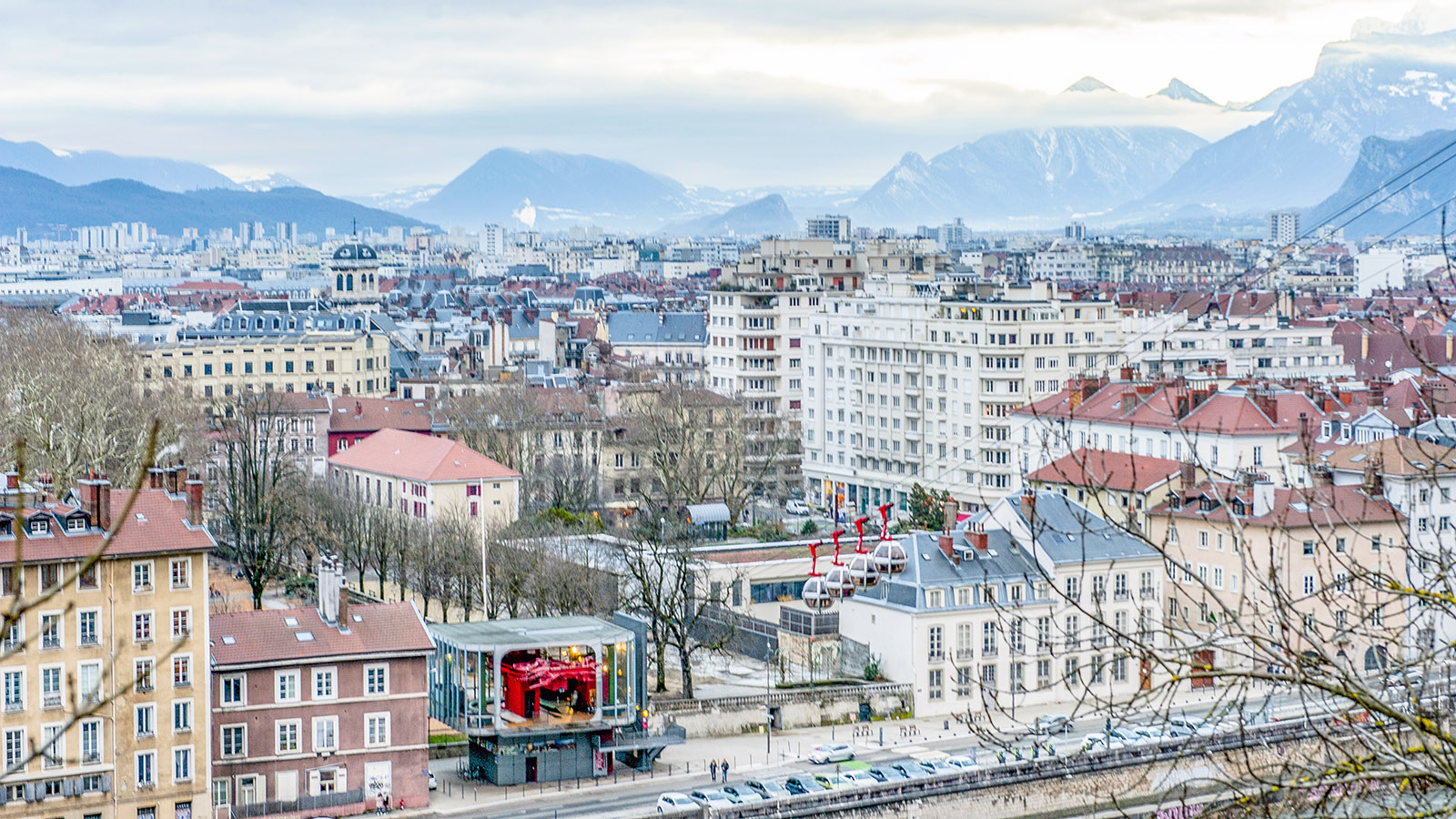 Blick auf Grenoble vom Spazierweg der Bastille. Foto: Hilke Maunder