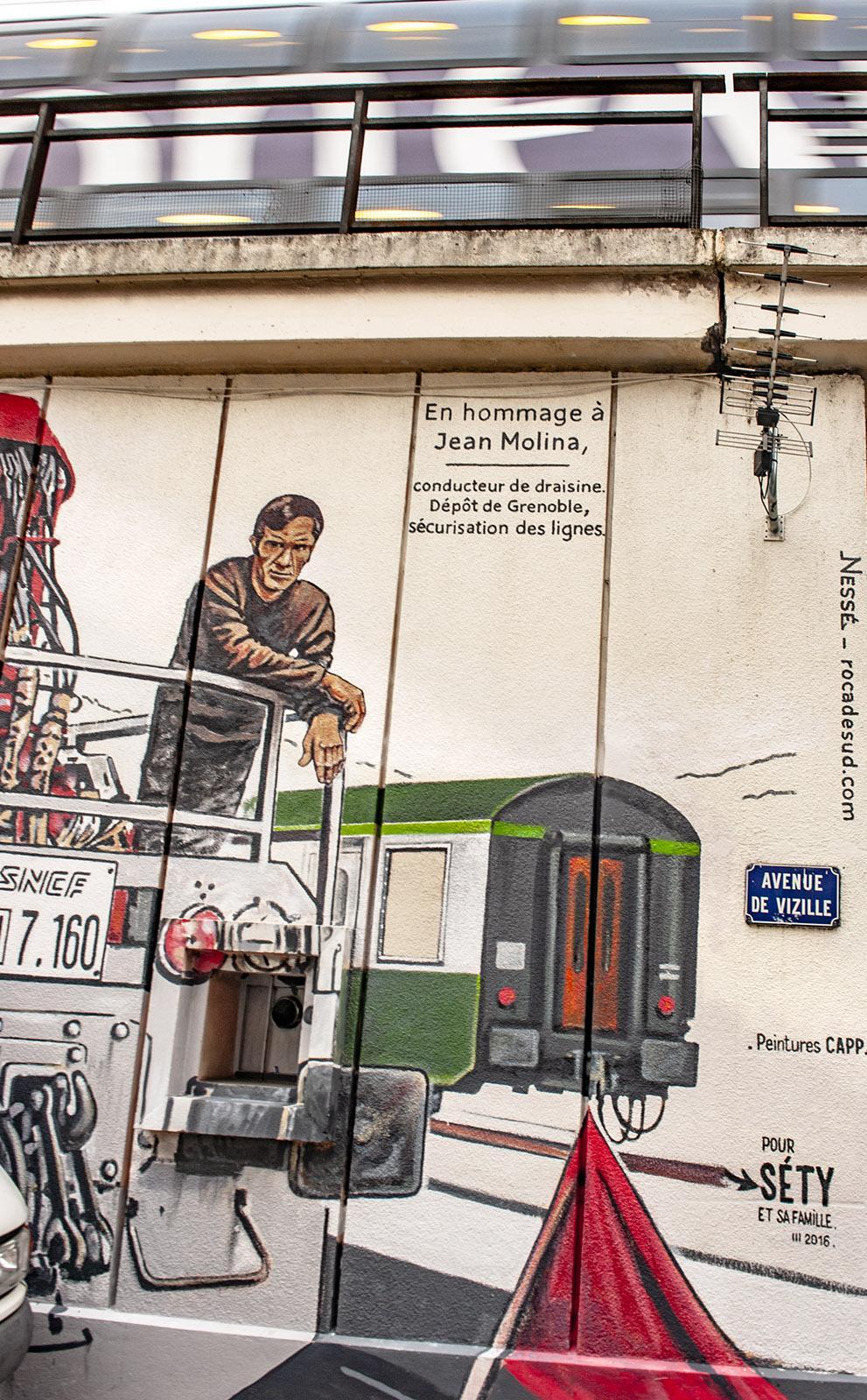 Grenoble, Street Art von Nessé an der Estacade-Bahnbrücke. Foto: Hilke Maunder