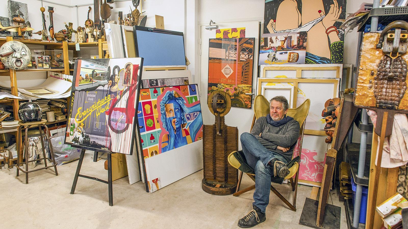 Cannes, Suquet des Artistes. Richard Ferri-Pisani zwischen seinen Werken. Foto: Hilke Maunder