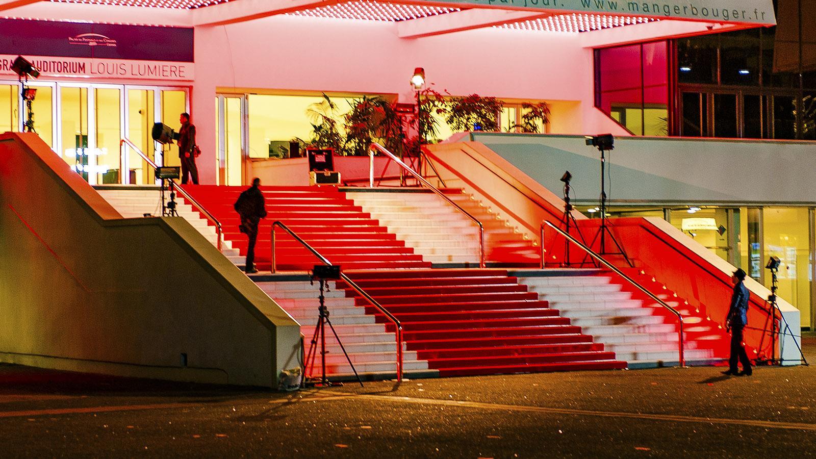 Warten auf die Stars: der berühmte rote Teppich von Cannes. Foto: Hilke Maunder