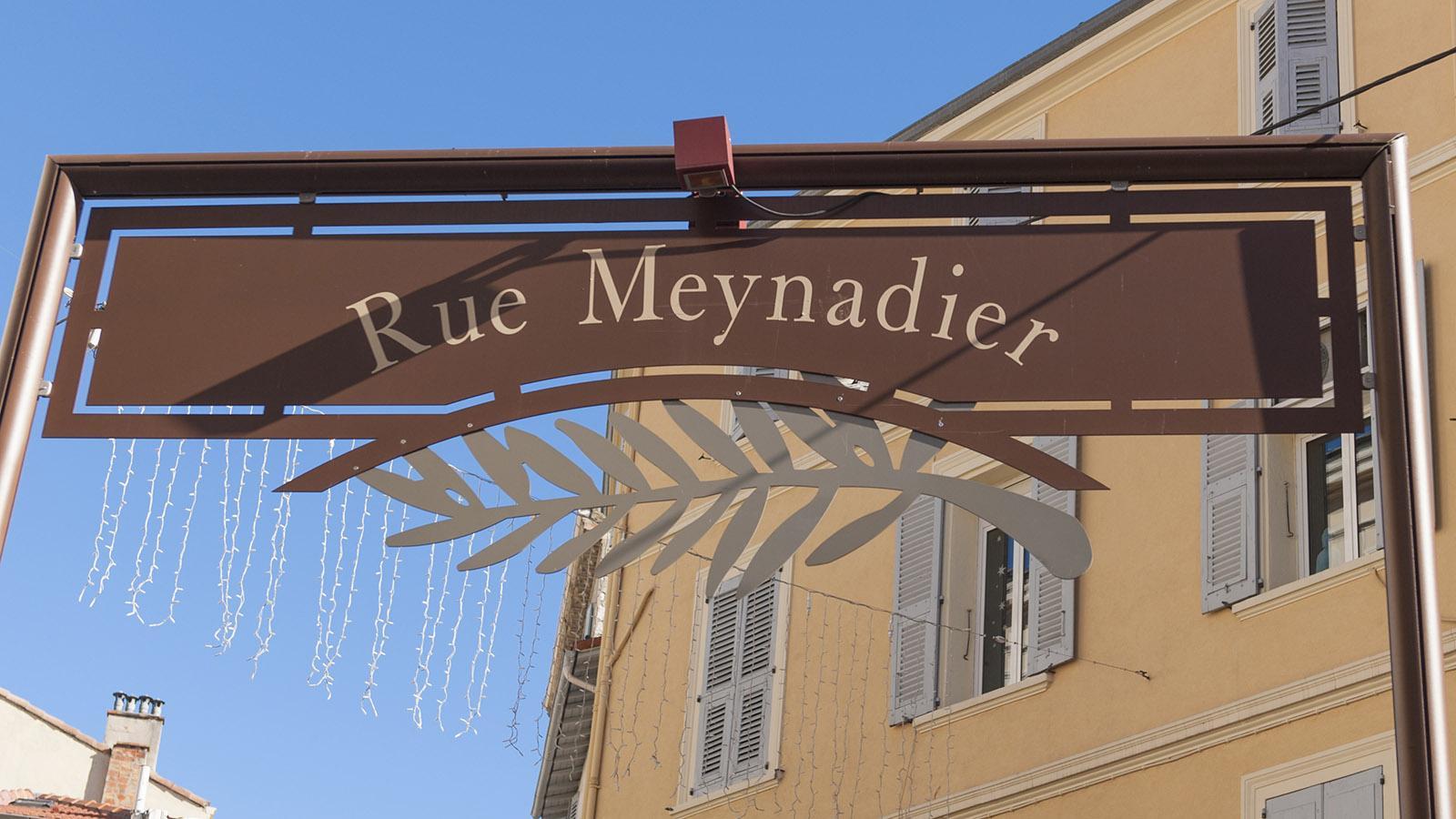Cannes: Volkstümlich: die verkehrsberuhigte Einkaufsstraße Rue Meynadier. Foto: Hilke Maunder