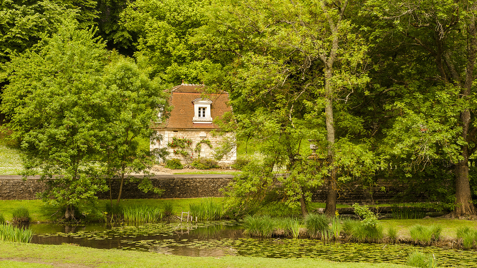 Bourg-Charente: Der Pavillon von Grand Marnier. Foto: Hilke Maunder