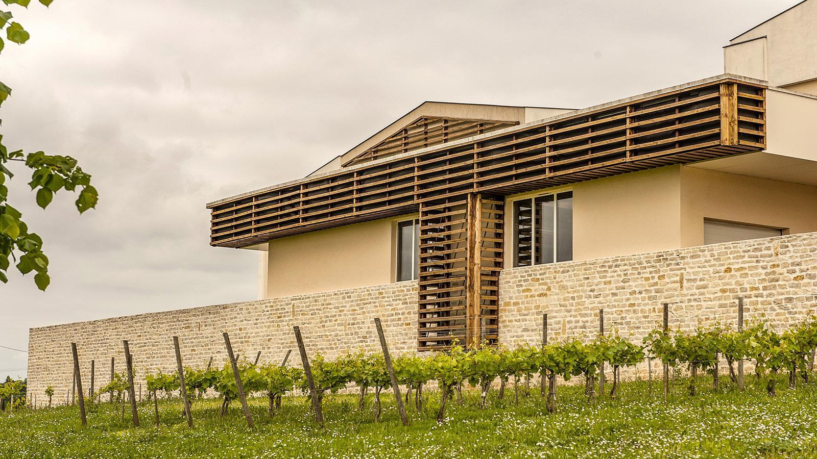 Bourg-Charente: die moderne Kellerei von Grand Marnier. Foto: Hilke Maunder