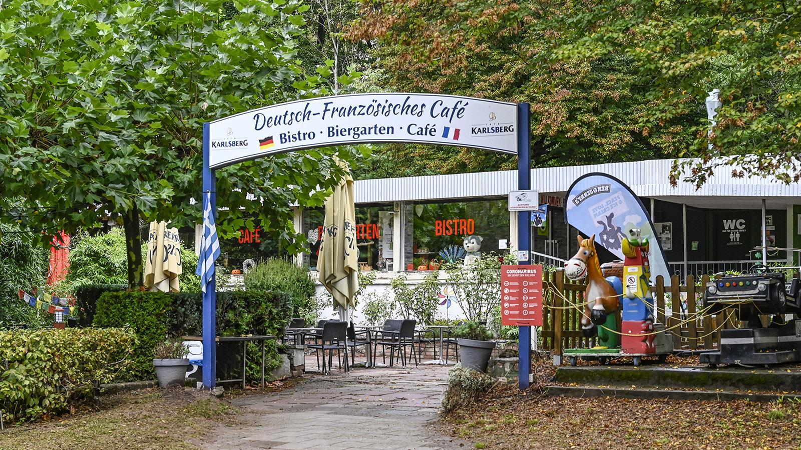 Das deutsch-französische Café von Saarbrücken findet ihr im Deutsch-Französischen Garten. Foto: Hilke Maunder