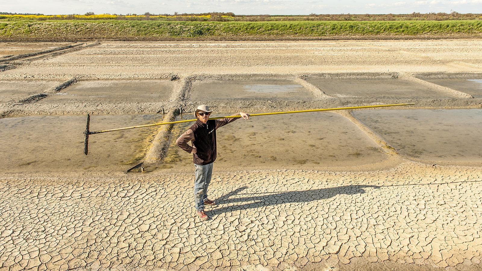 Ein Salzbauer der Île de Ré. Foto: Hilke Maunder