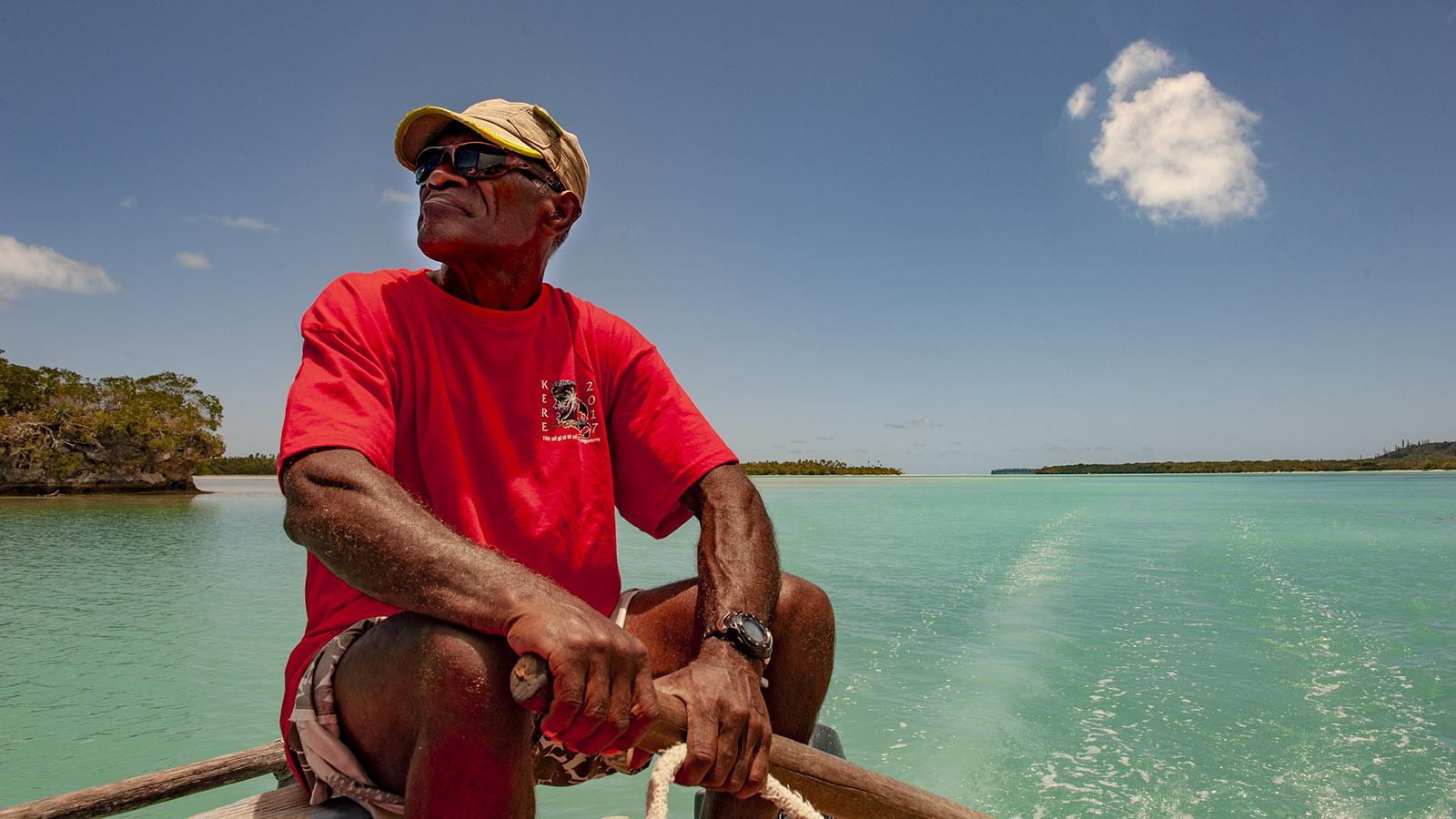 Segeln in der Baie d'Upi der Île des Pins von Neukaledonien. Foto: Hilke Maunder