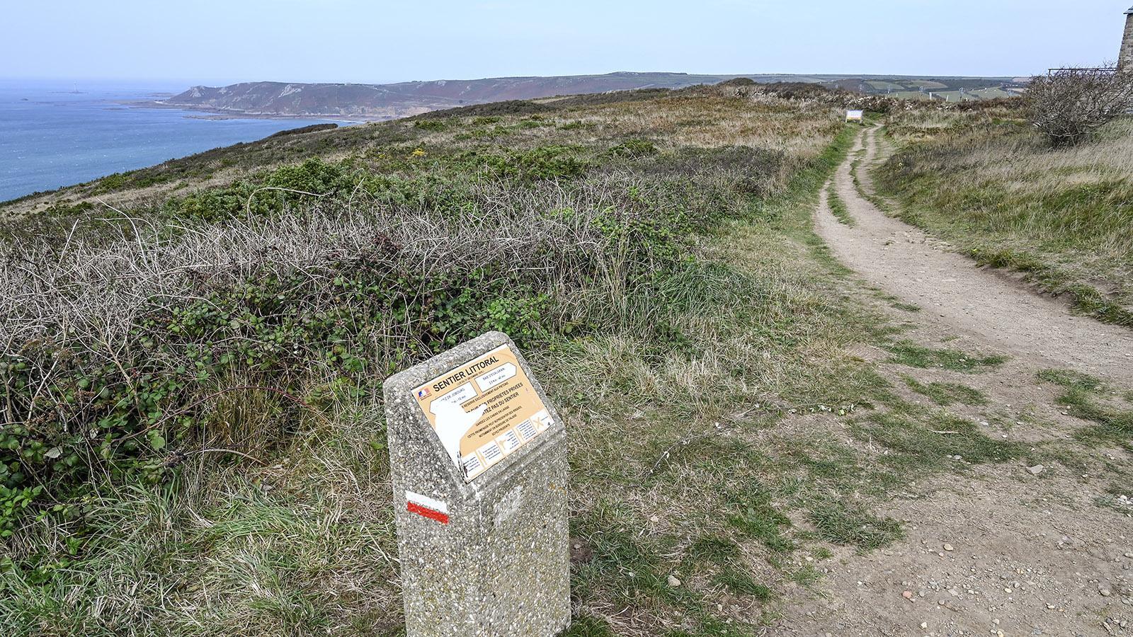 Am Cap Jobourg könnt ihr auf dem Zöllnerpflad wandern, der die gesamte Küste des Cotentin umrundet. Foto: Hilke Maunder