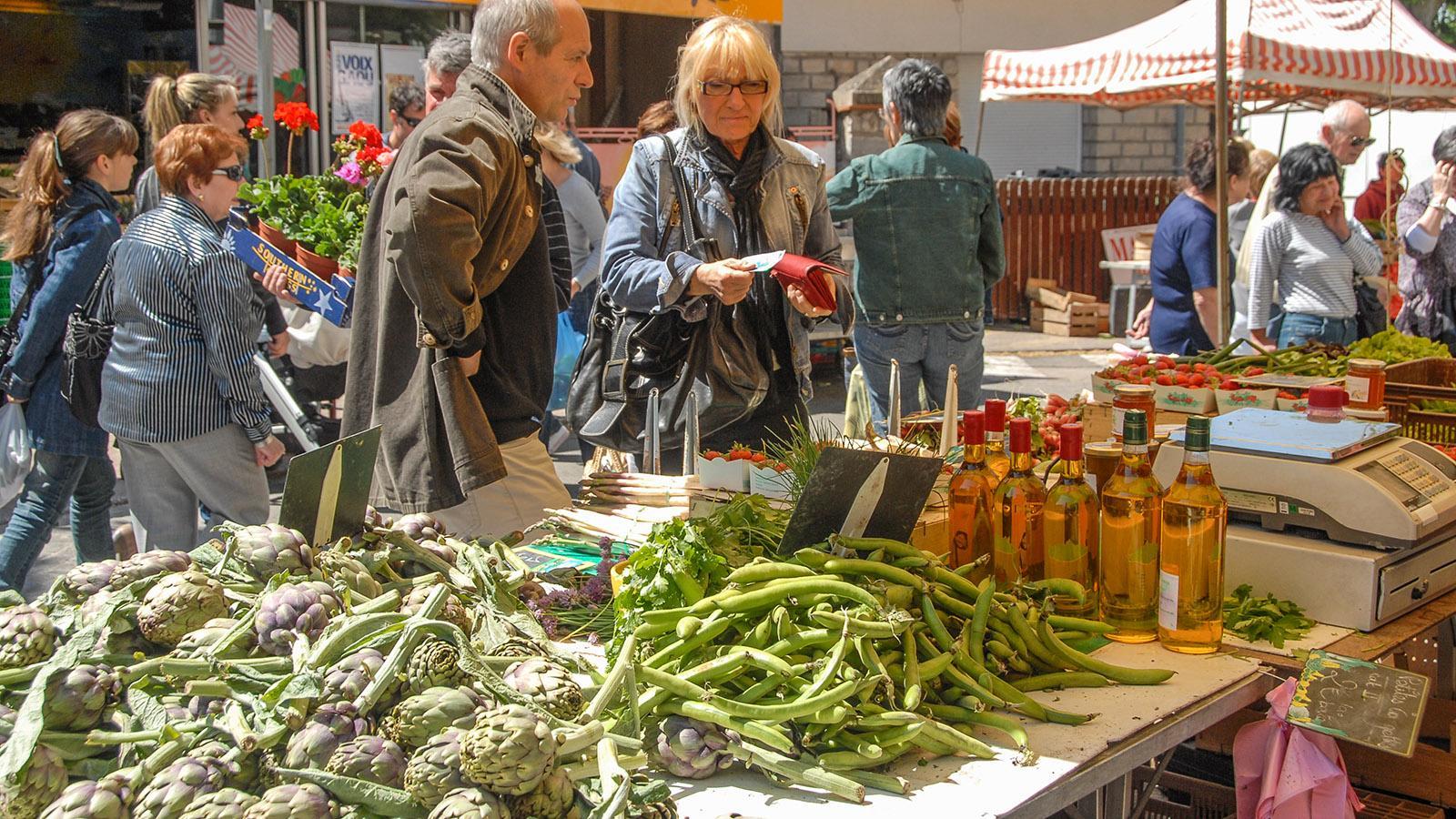 Auch in Saint-Cyr-sur-Mer gibt es sonntags bis 12 Uhr mittags einen großen Wochenmarkt. Foto: Hilke Maunder