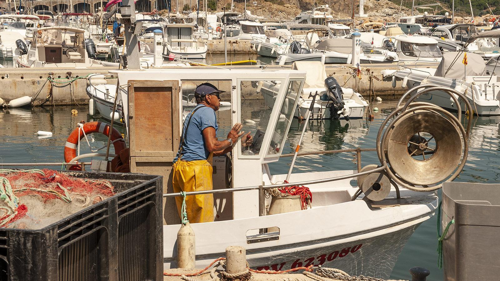 Banyuls: Ein Fischer im Hafen von Banyuls. Foto: Hilke Maunder