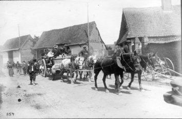 französische Flüchtlinge aus dem Sommegebiet - Sommeschlacht Juli 191