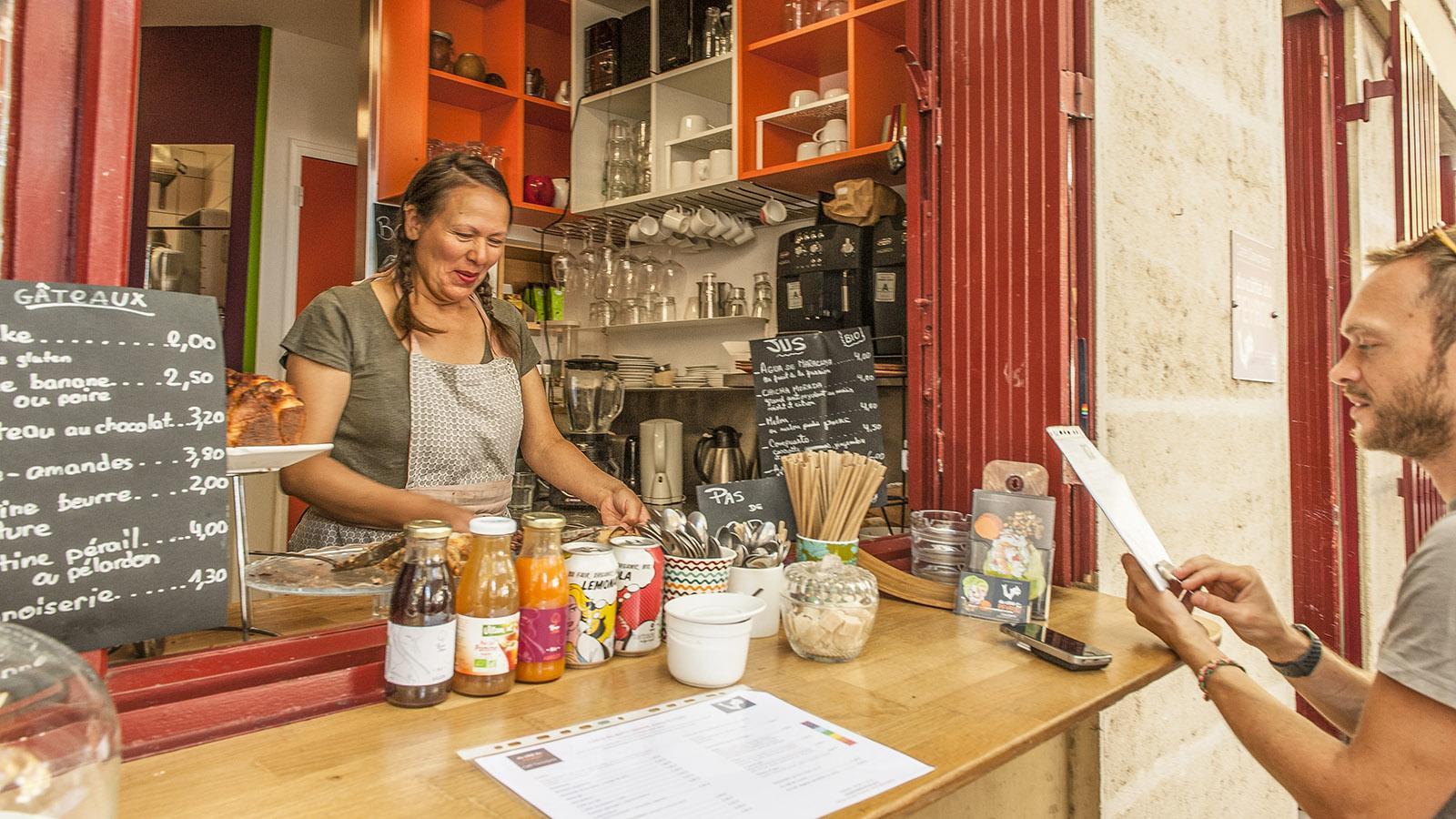 Montpellier: Am Arceaux-Markt: Café Cevicheria. Foto: Hilke Maunder