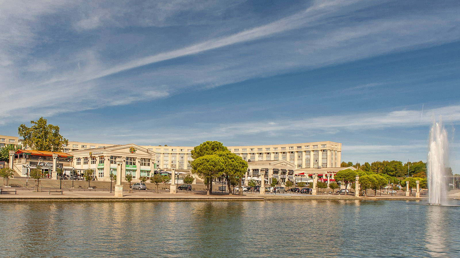 Montpellier: Blick auf das Antigone-Viertel am Lez. Foto: Hilke Maunder