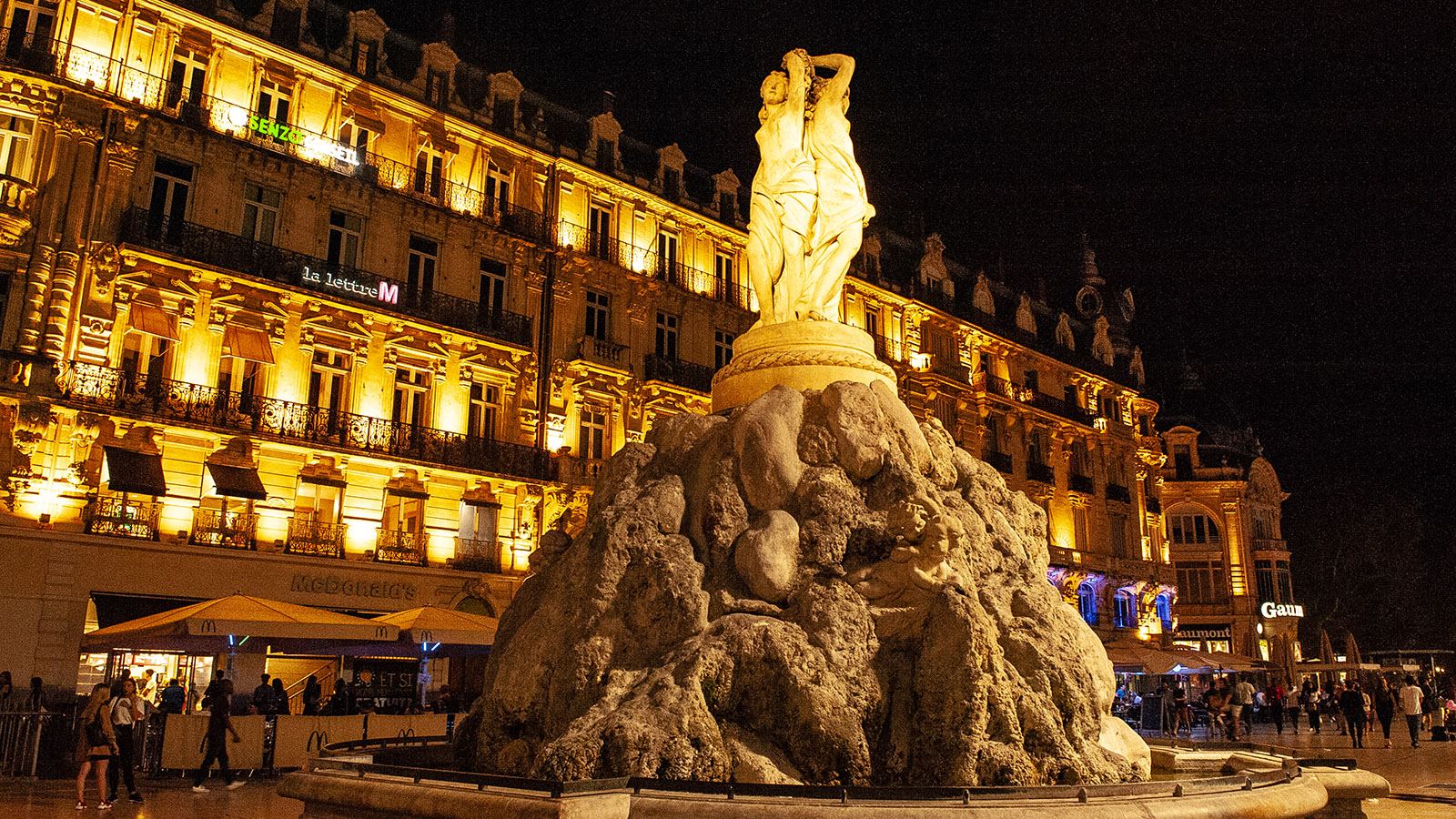 Montpellier: die drei Grazien der Place de la Comédie. Foto: Hilke Maunder