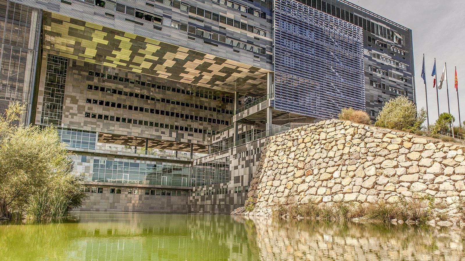 Montpellier: das neue Rathaus. Foto: Hilke Maunder