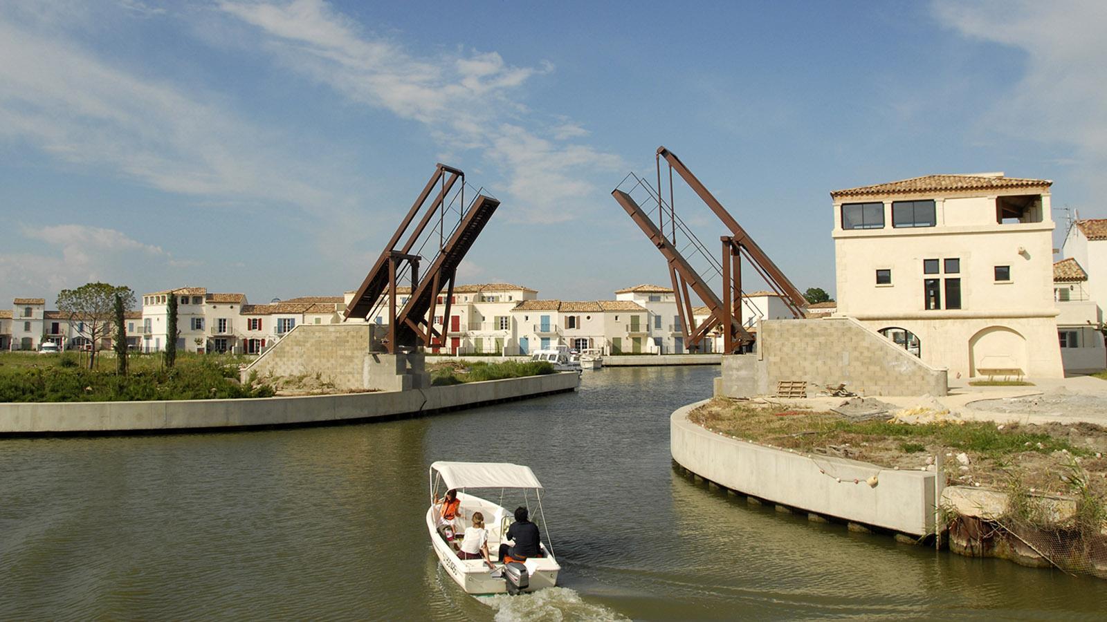 Aigues-Mortes: neue Wohnviertel außerhalb der ummauerten Altstadt. Foto: Hilke Maunder