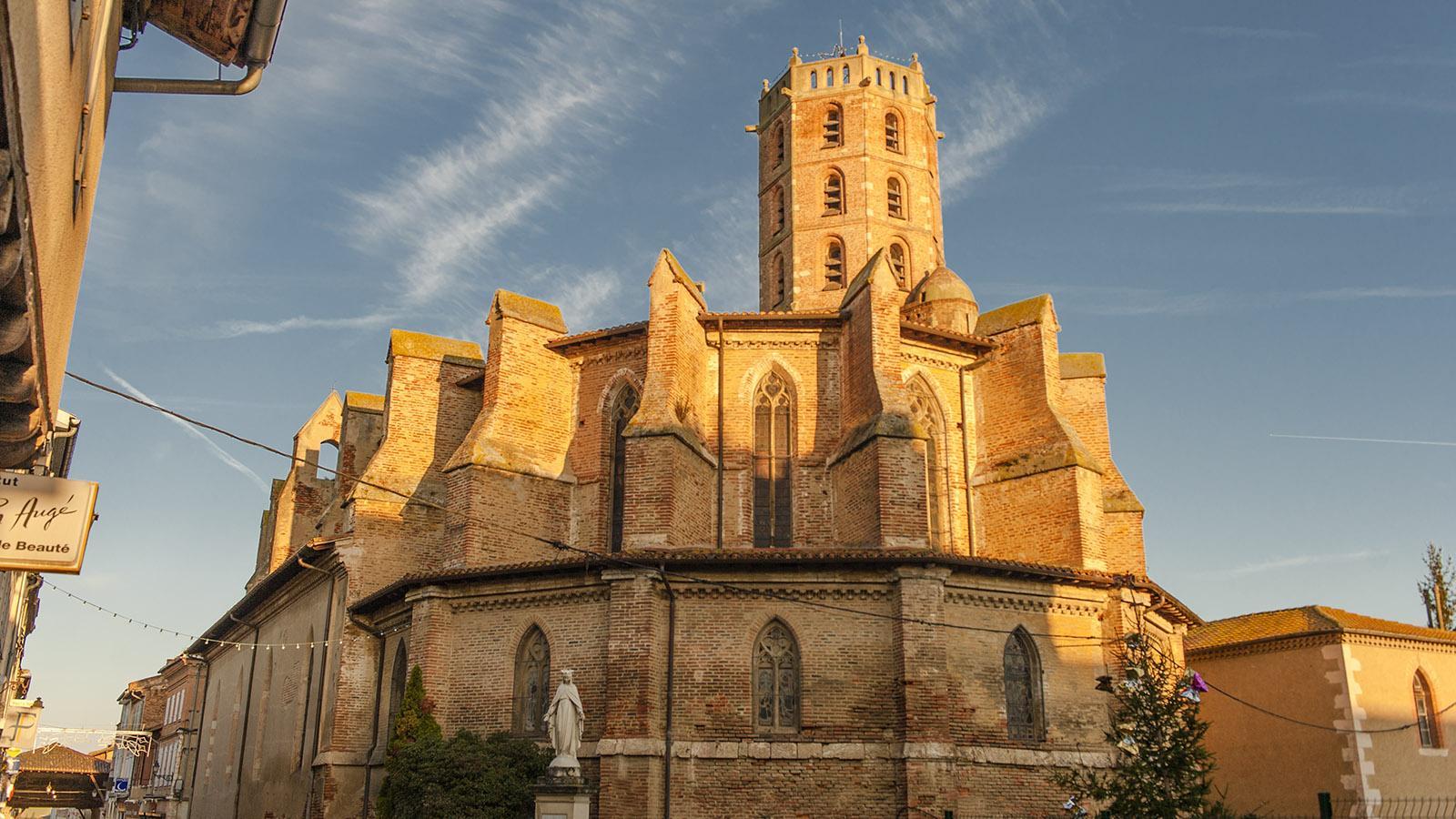 Die Pfarrkirche von Gimot im Herzen der Bastide. Foto: Hilke Maunder