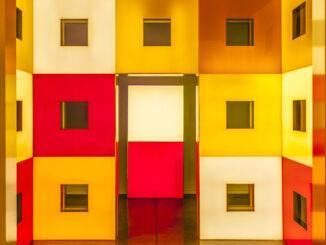 Sérignan: Das Innere des Kunsthauses von Daniel Buren. Foto: Hilke Maunder