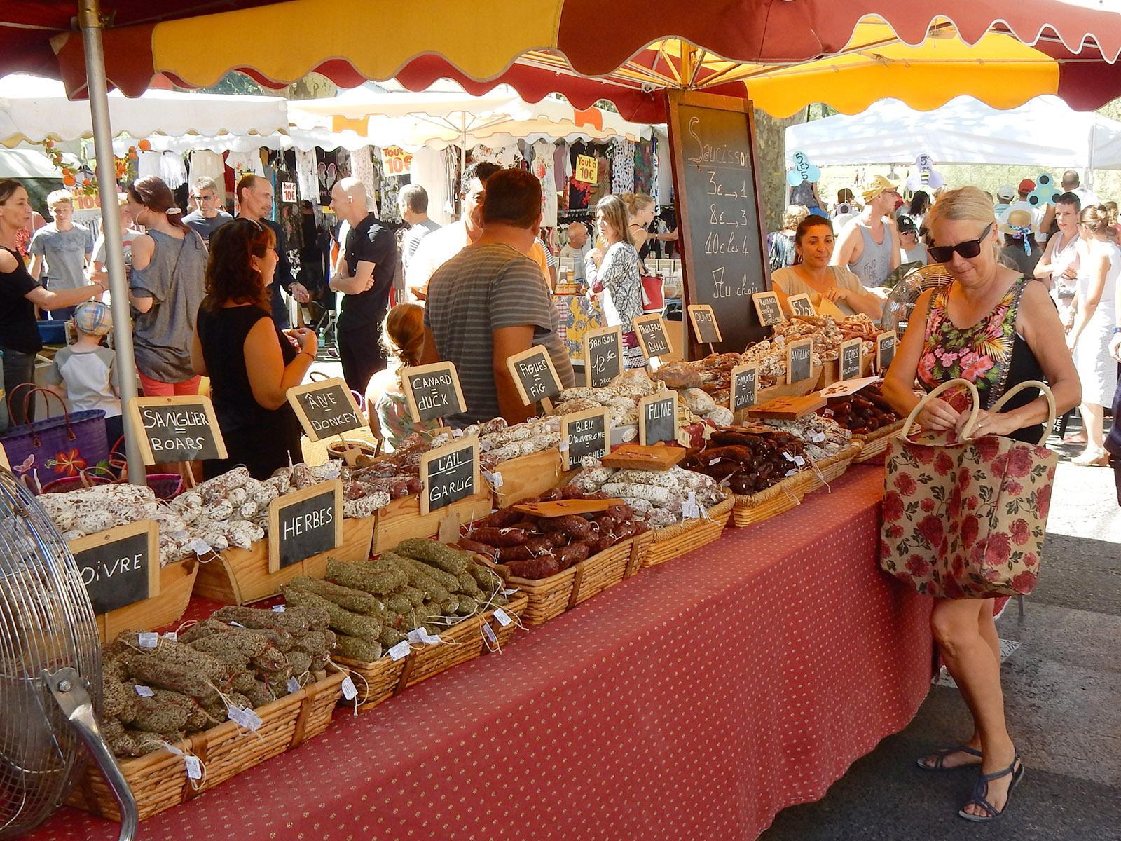 Auf dem Markt von Sommières. Foto: privat
