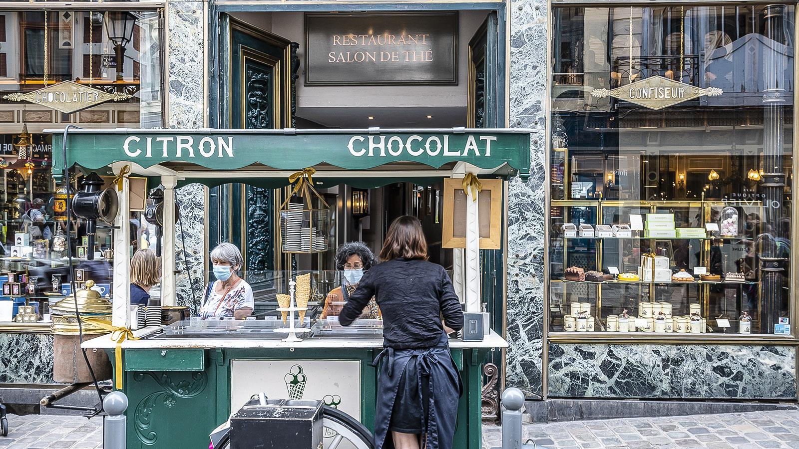 Im Sommer verkauft Meert an einem nostalgischen Eisstand hausgemachte glaces und Sorbets. Foto: Hilke Maunder