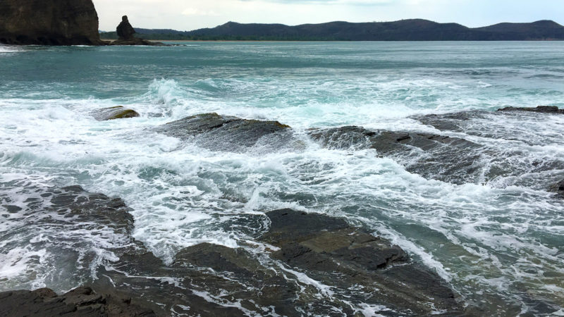 Wilde Westen: Baie de Guaro mit der Roche Percée. Foto: Hilke Maunder