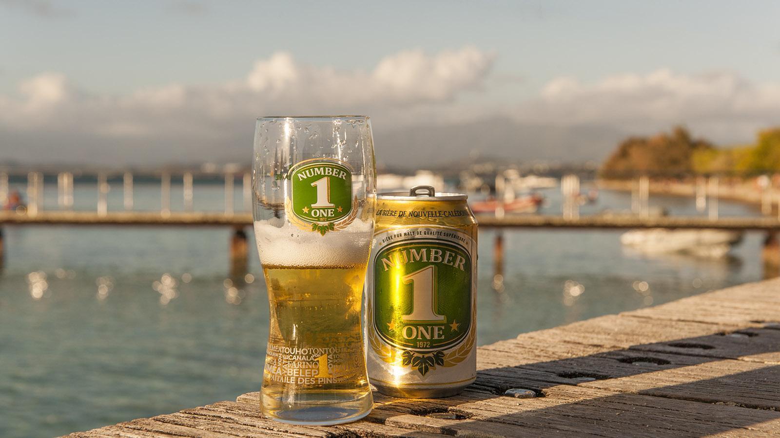 Îlot Maître: In Neukaledonien gebraut: Nummer-One-Bier – gibt es auch als Mojito-Variante! Foto: Hilke Maunder