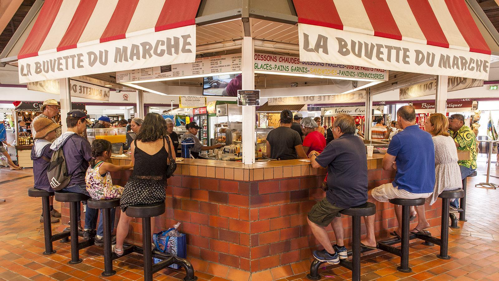 Marché de Nouméa: La Buvette du Marché: Ein Abstecher zum Marktcafé gehört dazu! Foto: Hilke Maunder