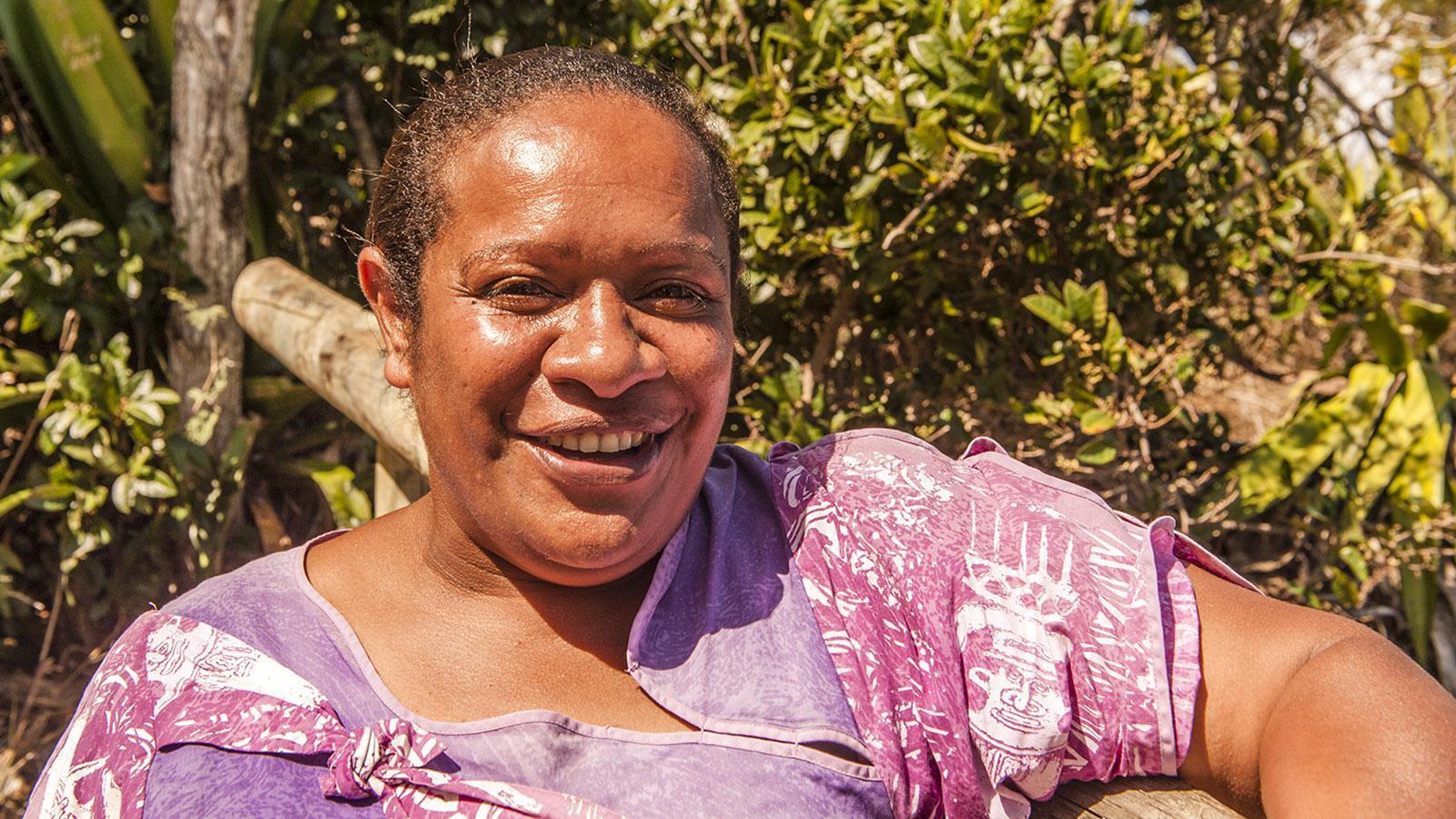 Nouméa: Die Kanakin Tika führte uns durch das Tjibaou-Kulturzentrum, Foto_ Hilke Maunder