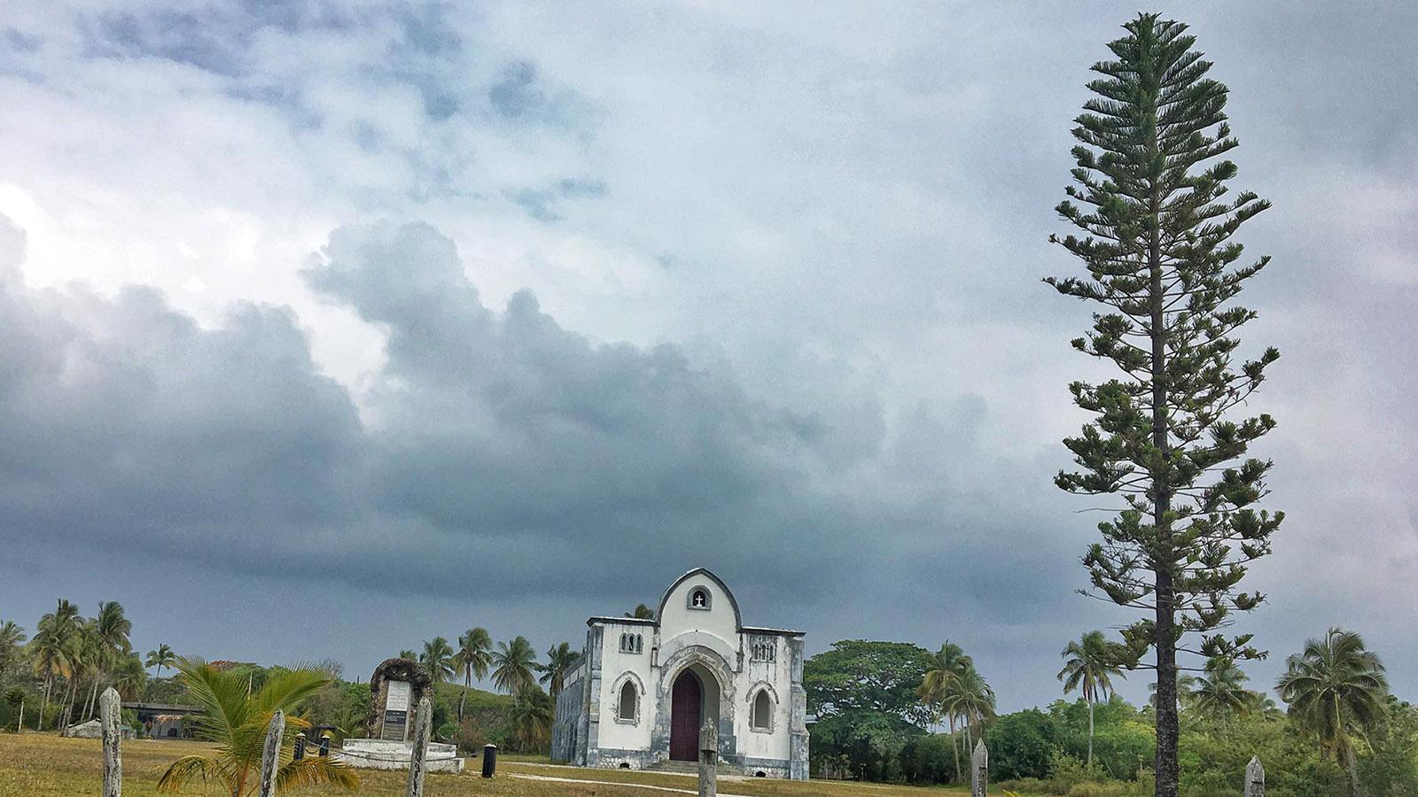 Protestanten und Katholiken haben auf Oouvéa ihre Gotteshäuser. Foto: Hilke Maunder