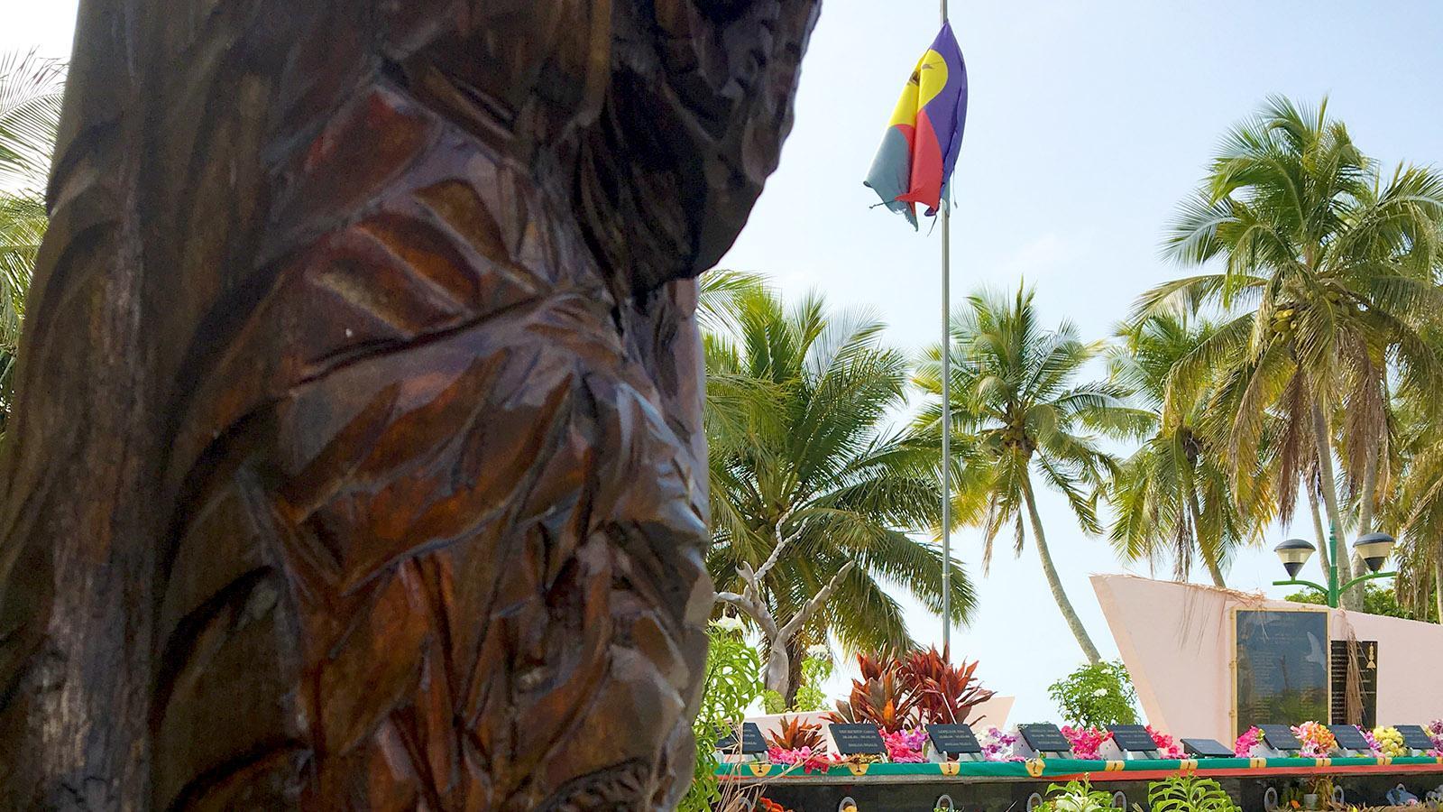 Das Mahnmal für die 19 Toten der Geiselnahme von Ouvéa und den auf der Insel ermordeten Kanaken-Führer Tjibaou. Foto: Hilke Maunder