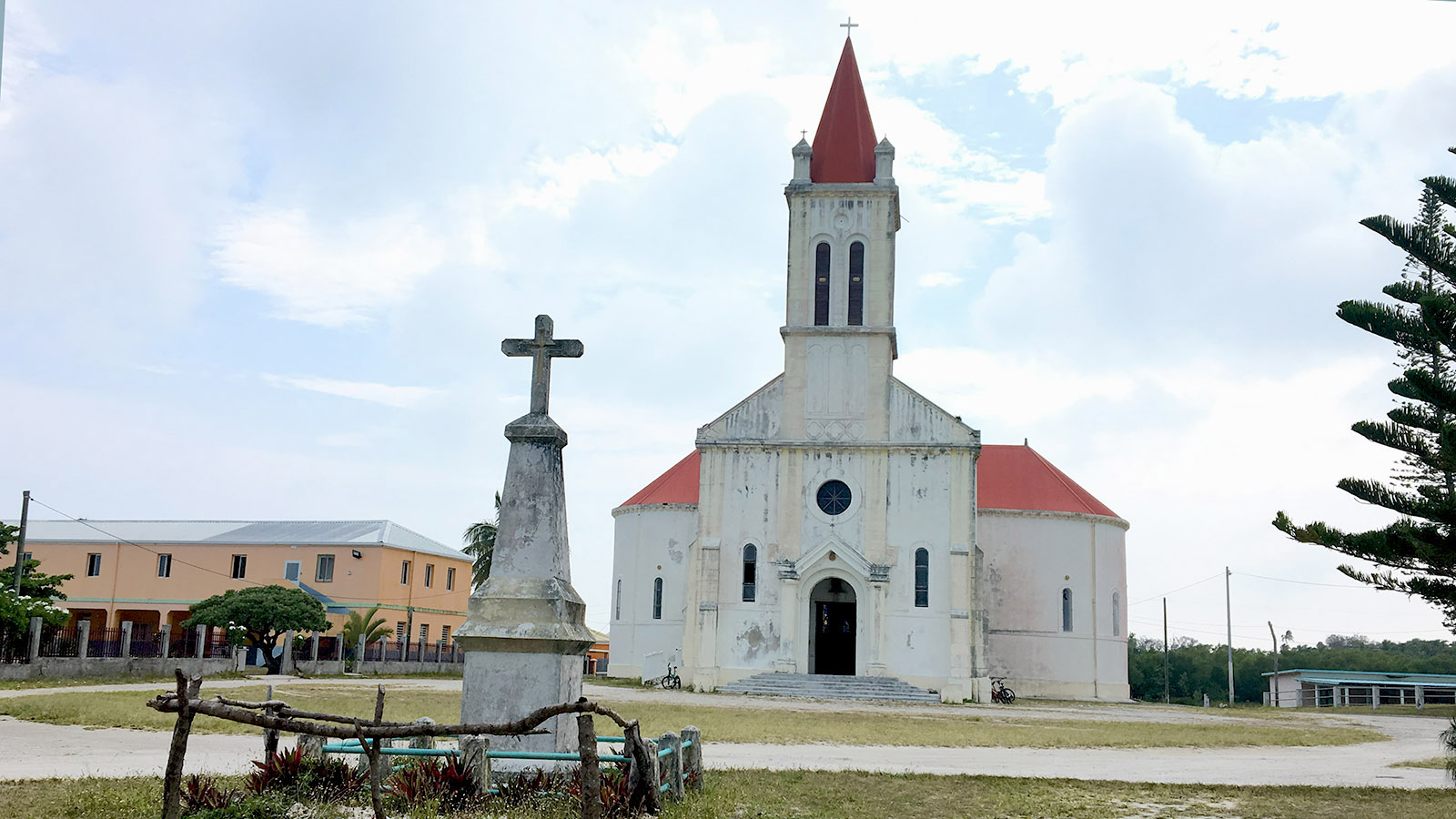 Inselkathedrale von Ouvéa: die katholische Kirche von Saint-Joseph. Foto: Hilke Maunder