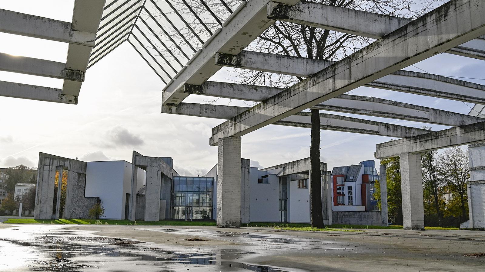 Duisburg: Der Garten der Erinnerung bewahrt altes Industrieerbe und integriert es. Foto: Hilke Maunder