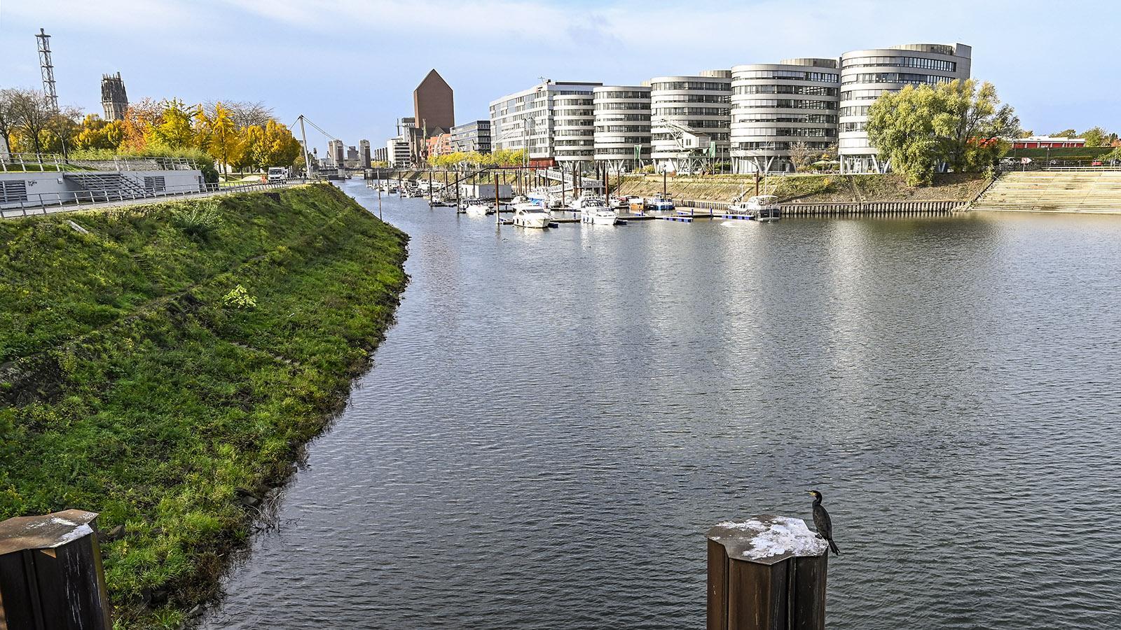 Duisburg, Innenhafen. Foto: Hilke Maunder