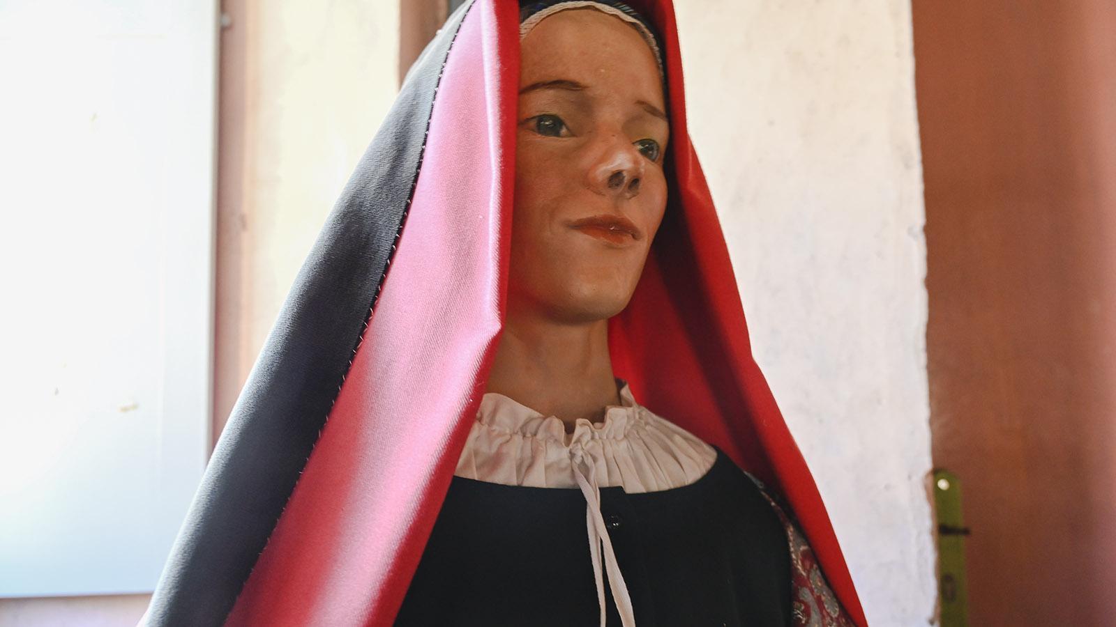 Rot und Schwarz: Fürt cagots galten strenge Kleidervorschriften. Foto: Hilke Maunder
