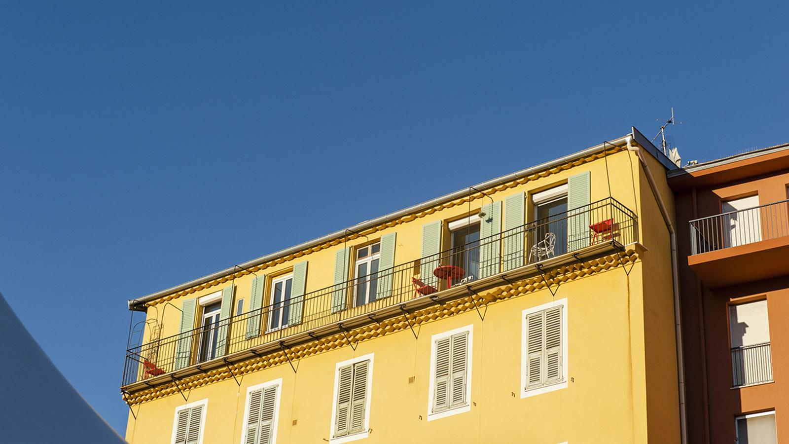 Die Genüsse von Nizza: Kürbisse in allen Farben und Formen gibt auf dem Wochenmarkt des Cours Saleya. Foto: Hilke Maunder